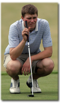 Line+of+sight+John+Robbins+lines+up+a+putt.+He+placed+in+the+top+ten+at+the+2007+National+Tournament%3B+the+team+placed+5th+at+the+2007+National+Tournament.%0A