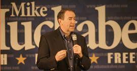 Huckabee rallies support in Topeka for Kansas victory