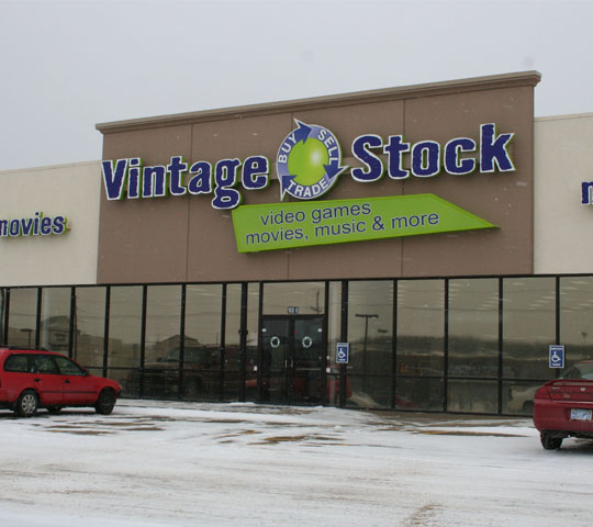 Golden+Oldies+Vintage+Stock+storefront+sits+on+1930+SW+Wanamaker+Road.+The+store+was+opened+just+this+November.%0A