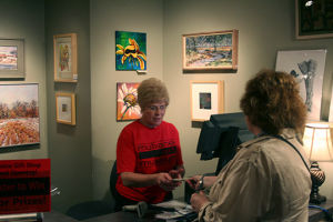 Mulvane Gift Shop Opening captures attention of patrons