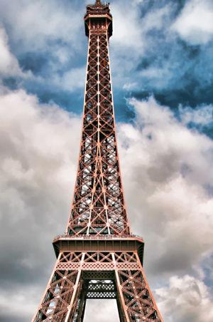 Media class to Paris this spring
