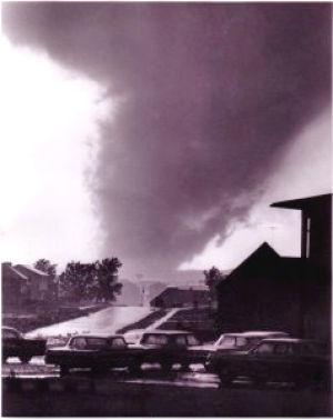 Menninger discusses destructive F-5 Topeka tornado