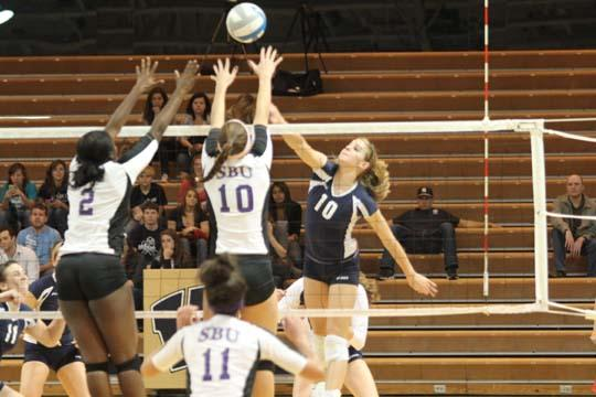 VIDEO: Lady Blues dominate