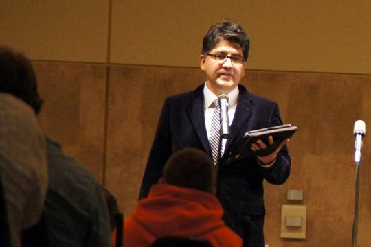 Spreading+Diversity+Sherman+Alexie%2C+famous+Native+American+author%2C+addresses+Washburn+students+Friday+night.+Alexie+spoke+about+his+childhood+growing+up+on+the+Spokane+Indian+Reservation+and+the+challenges+he+has+faced+as+an+adult.%0A