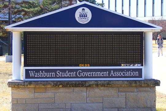 New+Sign%2C+New+Cost+Washburn+Student+Government+Association%E2%80%99s+old+sign+stands+shut+down+and+unused.+WSGA+just+passed+a+bill+allowing+the+purchase+of+a+new+sign+for+%2419%2C000.%0A