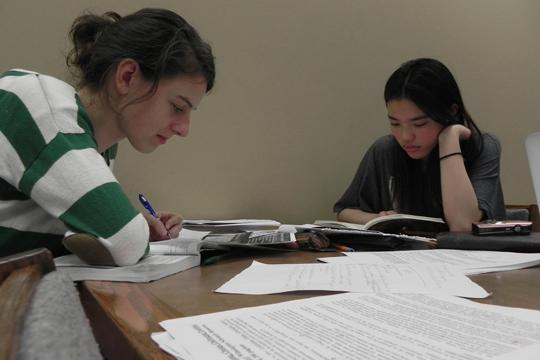 Mabee%2C+Mabee+Not+Students+study+at+the+Mabee+library+during+their+new+extended+hours.+Mabee+Library+officials+are+still+determining+whether+their+new+hours+extending+to+2+a.m+are+a+major+benefit+to+students+or+not.%0A