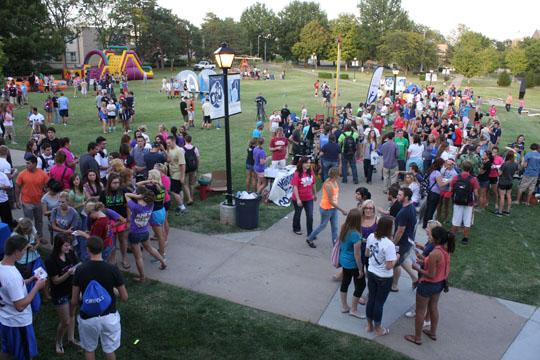 Come+Together+Students+gather+on+the+lawn+in+front+of+the+Memorial+Union+as+part+of+the+2012+Washburn+University+Welcome+Week.+WU+Fest+was+open+to+all+students+and+served+as+a+nice+round-up+of+the+week%27s+activities.%0A
