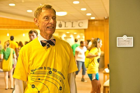 President Jerry Farley helps out with move-in activities at the LLC on August 17. Many different student organizations participated in the Move-In Day festivities.
