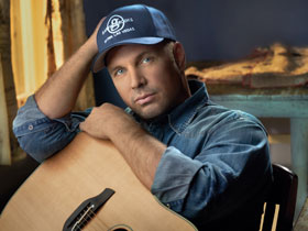 Tomorrow finally comes, Garth Brooks returns to country music