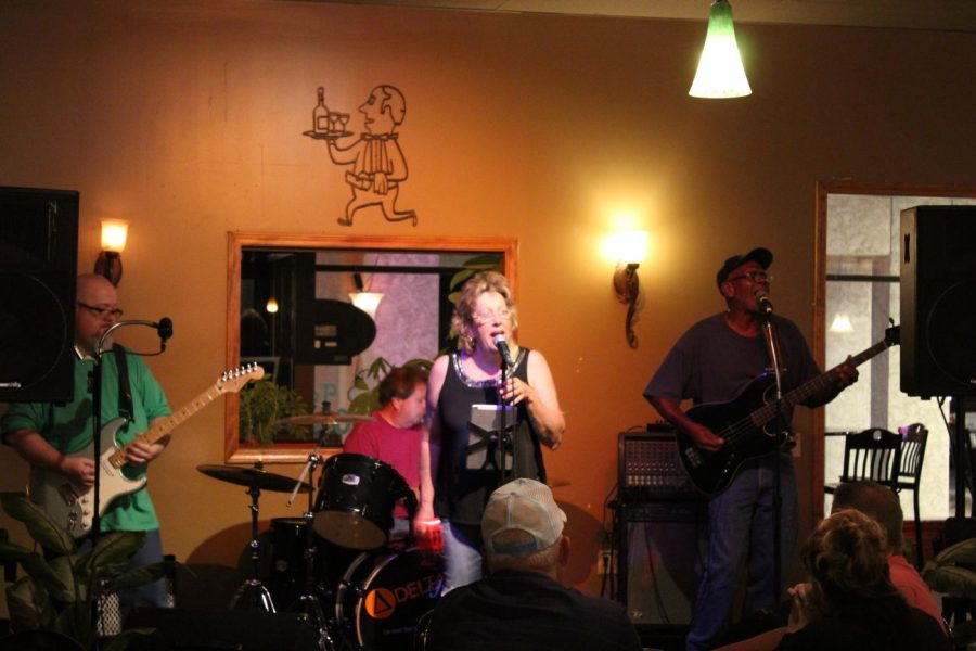 Live at the Classic Bean: Blues-classic rock fusion group Delta Haze performed covers of various songs such as