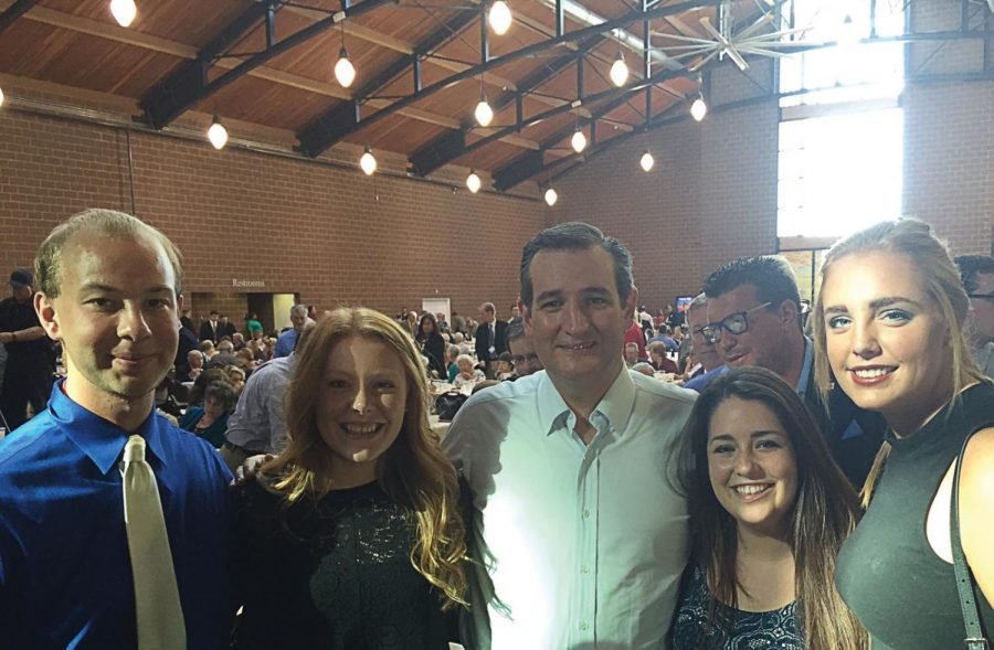 (Left to right) Washburn Students Jack Van Dam, Rosie Nichols, Elaine Januzka and Meagan Borth pose for a picture with 2016 Republican presidential candidate, Sen. Ted Cruz of Texas.