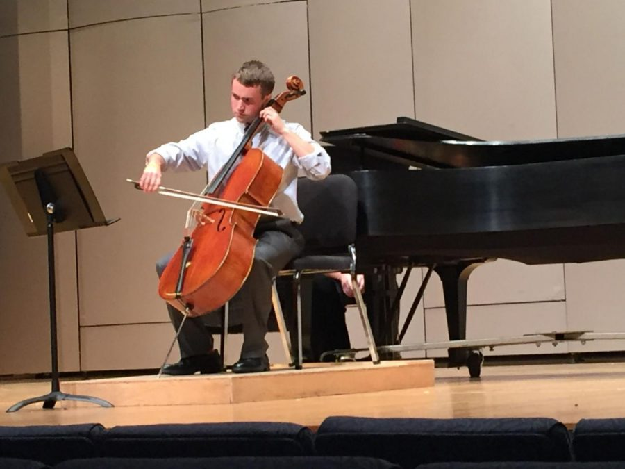Solo+Performance%3A+Daniel+Lytle+performs+his+first+and+longest+piece%2C+Sonata+in+E+Minor+by+Brahms.