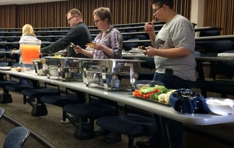 Honors students enjoy free food during their end-of-the-year partyat 5 p.m. May 2 inHenderson Learning Center.
