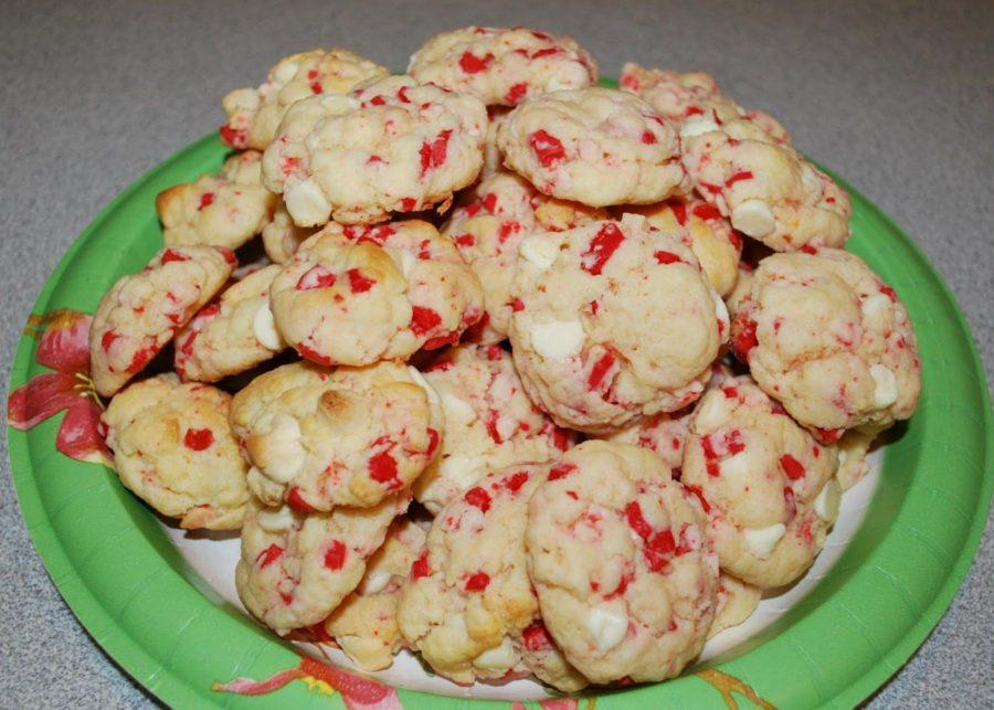 Mint+to+Be%3A+According+to+Taste+of+Home%2C+peppermint+cookies+are+in+the+top+10+favorite+Christmas+cookies%2C+and+for+a+good+reason.+These+White+Chocolate+Peppermint+Cookies+are+no+exception%2C+and+would+be+perfect+to+take+to+your+family+holiday+celebration.