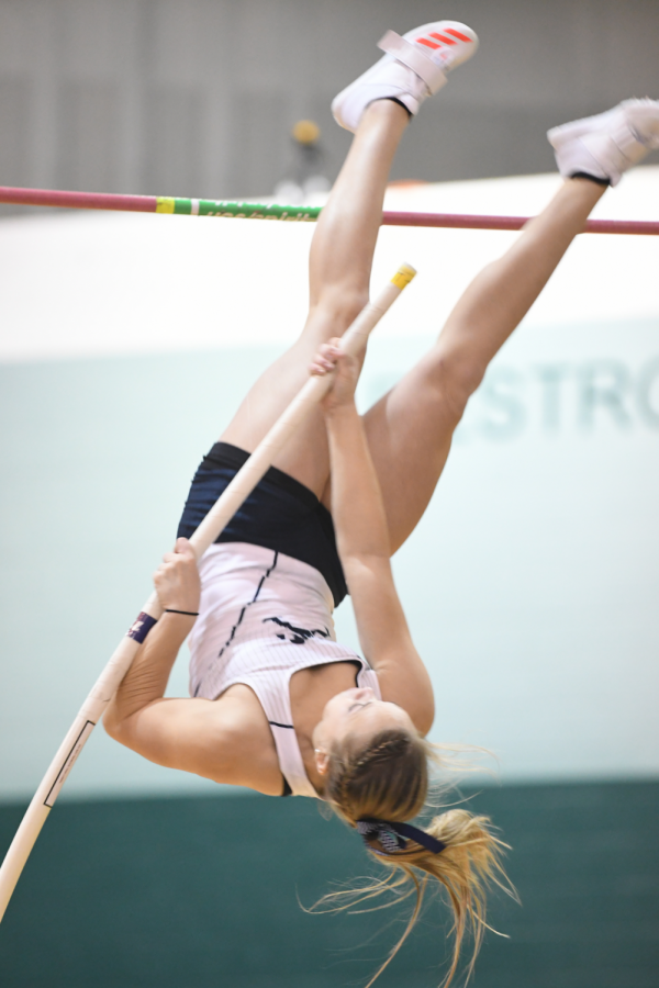 Execution%3A+Pole+vaulter+Allexis+Menghini+was+the+only+member+of+the+women%E2%80%99s+or+men%E2%80%99s+indoor+track+team+to+qualify+for+indoor+track+nationals%2C+which+will+take+place+this+weekend+in+Birmingham%2C+Alabama.+Menghini+later+broke+her+personal+best+again+at+the+MIAA+championships+Feb.+25.%C2%A0+Her+new+personal+best+entering+this+tournament+will+be+3.79+meters.