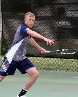 Tennis teams prepare for tournament season