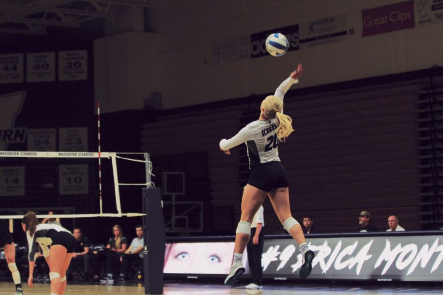 Washburn volleyball defeats Pittburg State, falls short to UCO