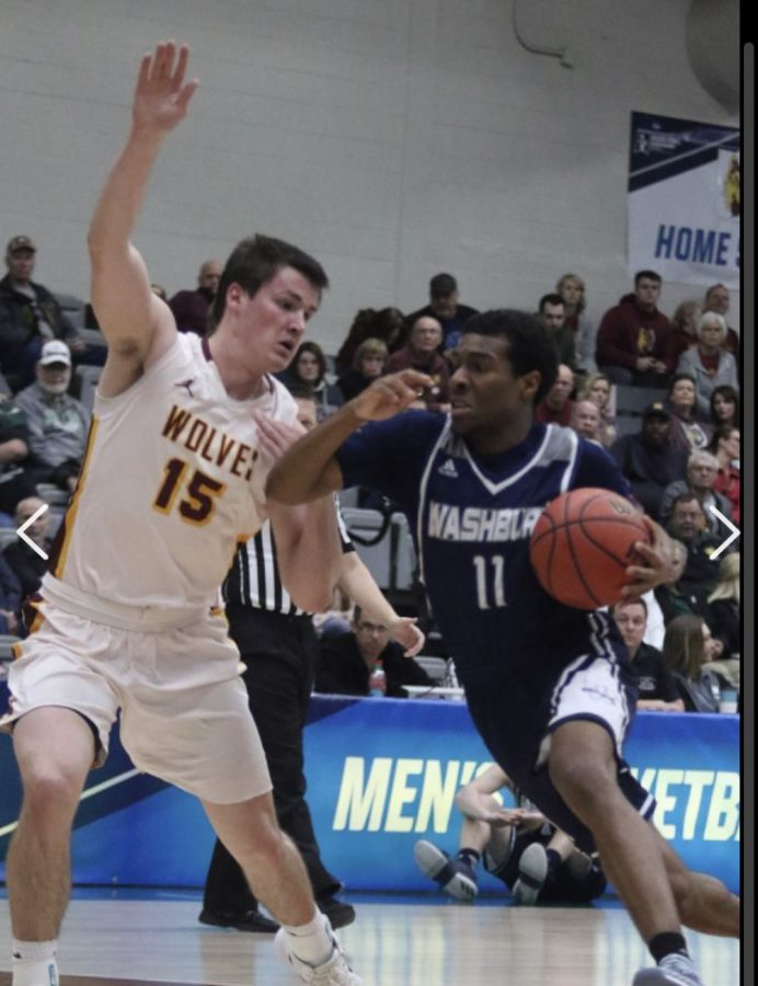 Men's basketball ends season with opening round loss