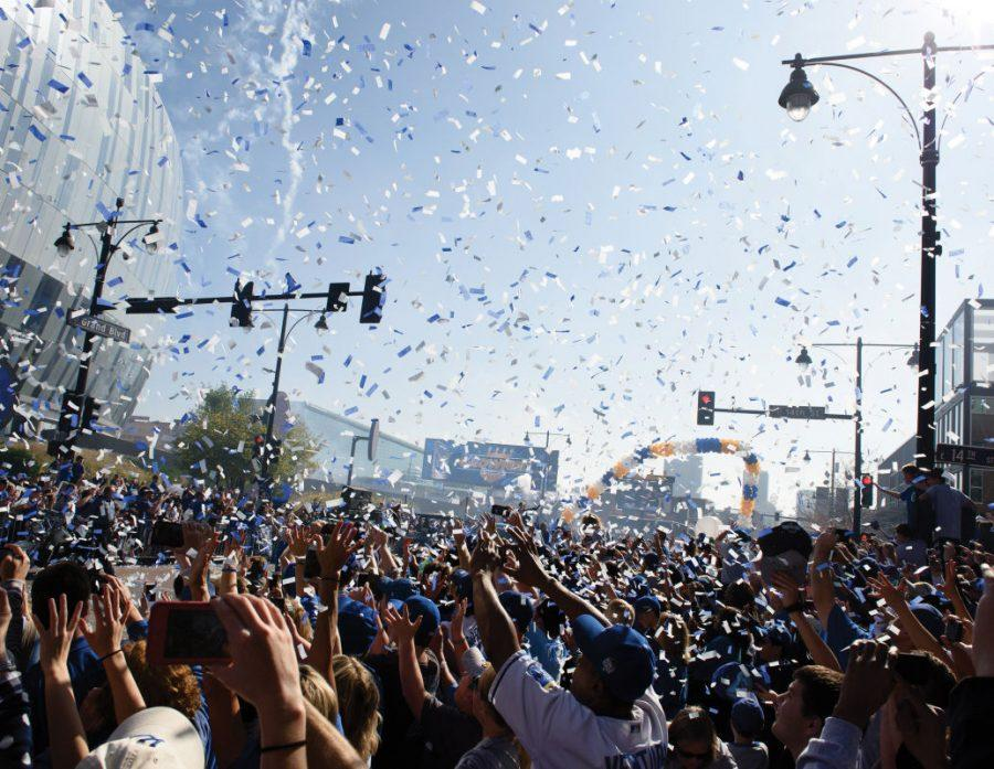 Royals clinch World Series title after 30 years