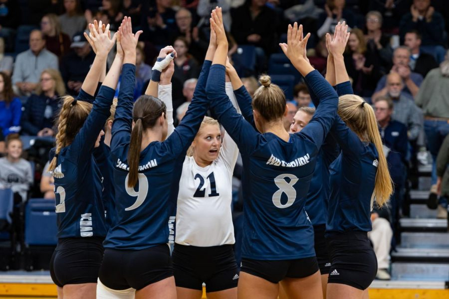 Washburn volleyball wins eighth game in a row