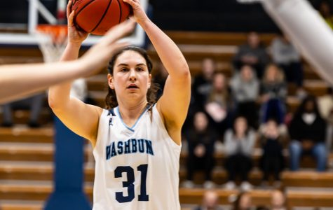 Looking for the point:Senior forward Hayley Thompson is looking for the opening in Thursday's game against the Threshers. Hayley Thompson scored 6 points and had one assist in Thursday's game against the Threshers