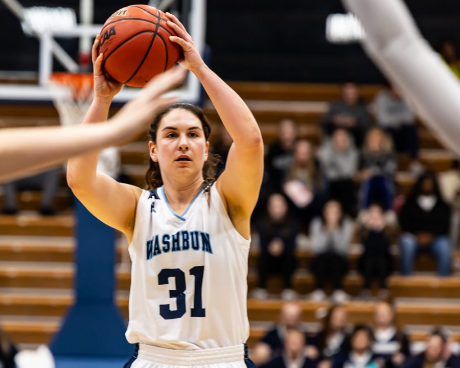 Looking for the point: Senior forward Hayley Thompson is looking for the opening in Thursday's game against the Threshers. Hayley Thompson scored 6 points and had one assist in Thursday's game against the Threshers
