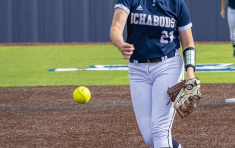Ichabods lose to Cougars 2-0