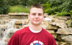 Senior Kyle Manthe