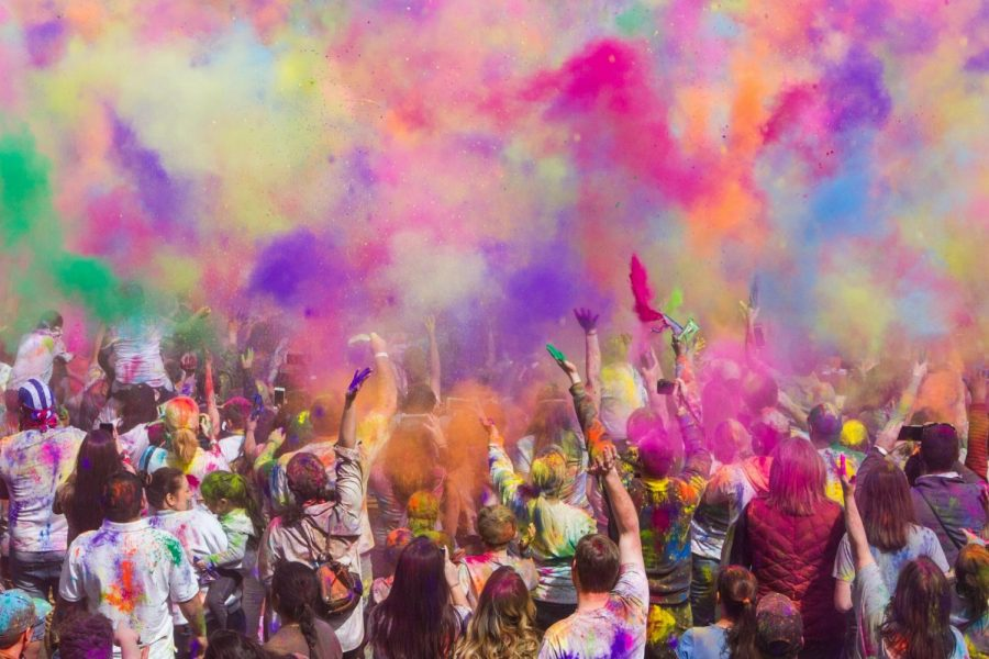 So+many+colors%3A+The+Holi+festival+is+a+celebration+of+the+arrival+of+spring%2C+and+the+colors+that+come+with+it.+If+you+decide+to+come%2C+wear+white%21