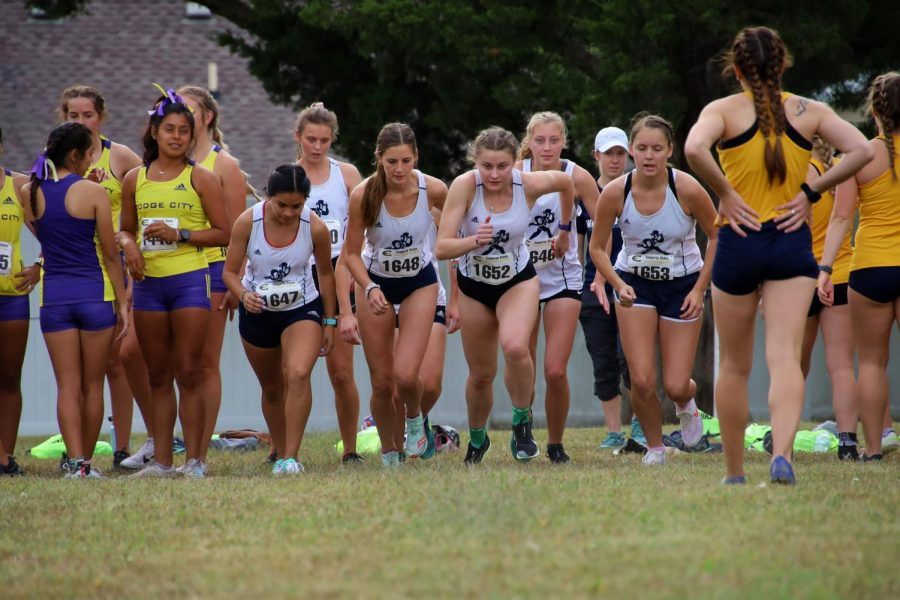 United+we+Run+-+The+team+gets+a+quick+runout+in+preparation+for+the+race+on+Sept.+24%2C+2021.+The+team+would+finish+in+fourth+place+at+the+ESU+Invitational.