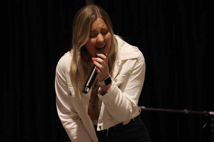 Beauty performance: Meghan Scott used a passionate tone for her song. She had a passionate and beautiful performance Thursday, Oct. 14 in the Washburn A/B.