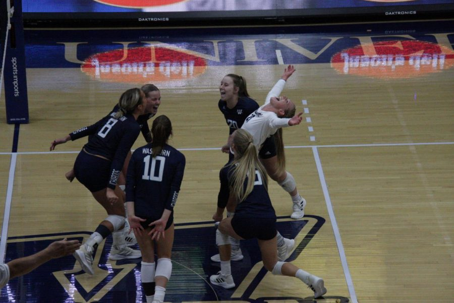 Big+point%3A+The+team+comes+together+to+celebrate+after+winning+a+point+in+the+third+set.+The+Ichabods+defeated+Missouri+Southern+3-1+on+Oct.+8%2C+2021.