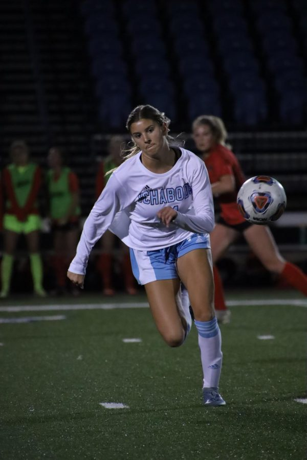 Get the ball: Washburn forward Khloe Schuckman goes after the ball on Oct. 22, 2021. Schuckman recorded three shots on goal in the match.